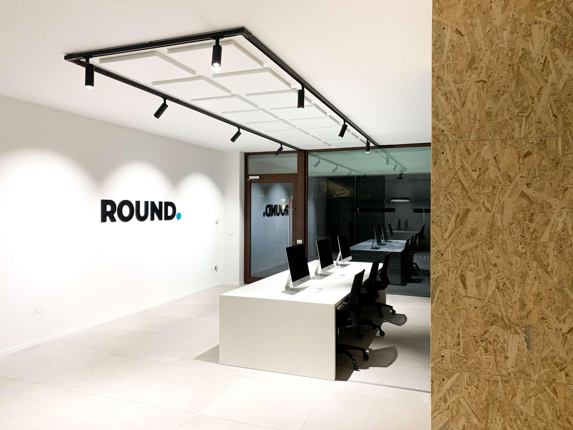 Round Studio - 1